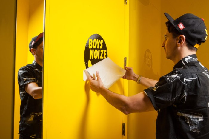 skrillex-and-boys-noize-in-the-red-bull-studios-ny (1)