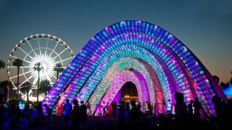 Coachella-2014-Giant-Icon-Wallpaper-04-1024x576